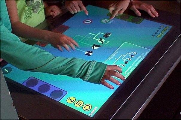 تحول در مراکز بازی دنیا با میزهای مالتی تاچ تعاملی