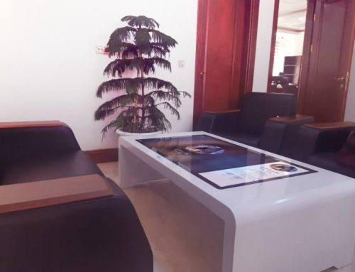 فروش میز و کیوسک های تاچ نیوتک و نرم افزار اختصاصی مجموعه هیراد